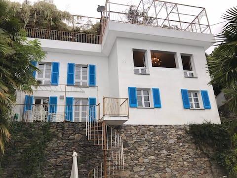 Bauhaus villa with beautiful view -Cannero Riviera