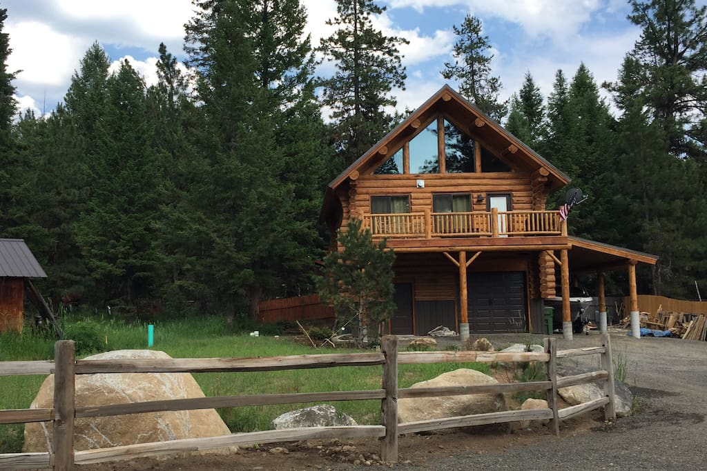 REAL LOG CABIN - THE HAPPY PLACE!