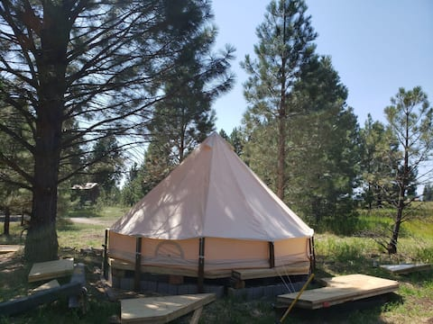 The Pines Yurt tent  #2 only 15 minutes to Glacier