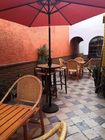 MASCOGO. Art, Food & Hostel