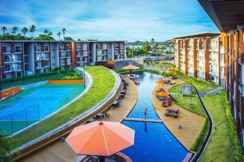 社区大型泳池(swimming pool in community)