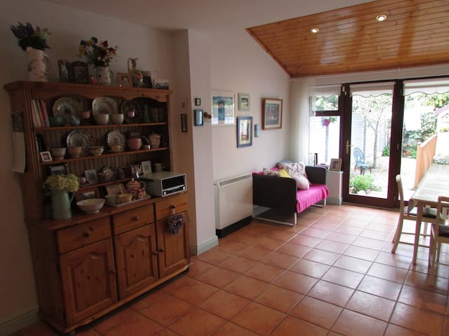 Double room in cosy shabbychic house - Celbridge - Casa
