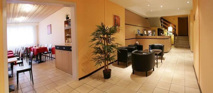 Hotel room - Tour-de-Peilz (no kitchen)