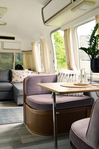 Airstream Glamper: Renovated 1984 RV in PEC