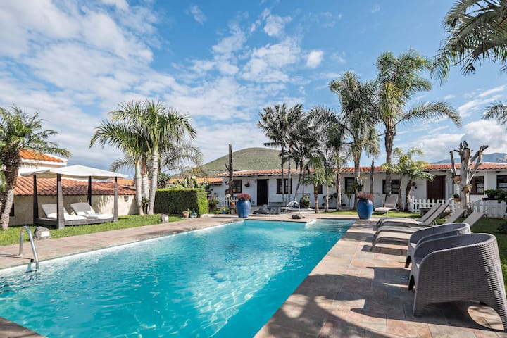Holiday Apartment Los Aperos with Shared Pool, Terrace, & WiFi