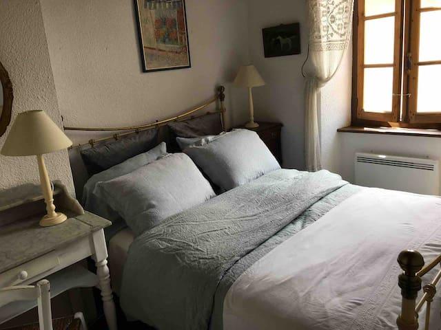 Bedroom Two - upstairs - 100% Belgian Linen bedding