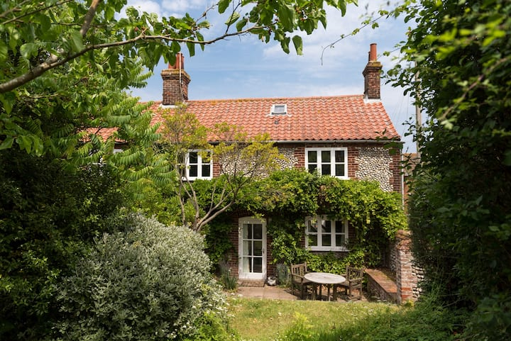 Marlpit Cottage | Beautiful Coastal Retreat