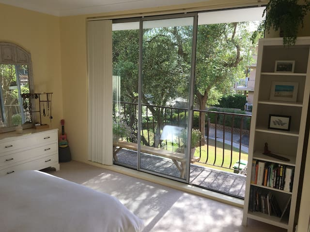 Spacious and Sunny Bronte Apartment - Waverley - Apartamento
