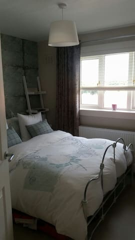 Comfortable 1BD upper flat - Ayr - Apartment