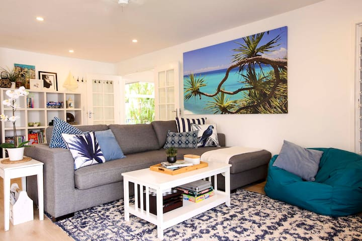 Lounge with Smart TV, Board Games