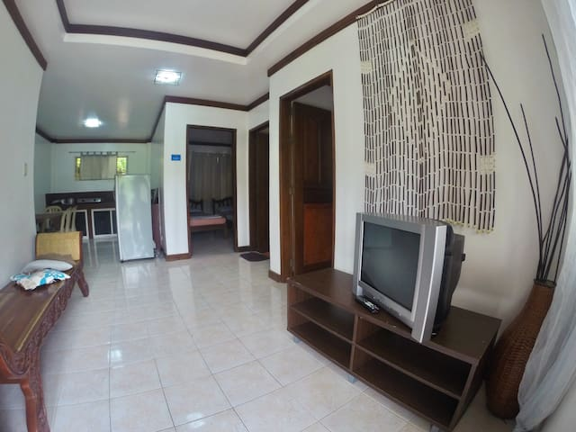 Boracay Residences Cozy 2BR Suite - Malay - Bed & Breakfast