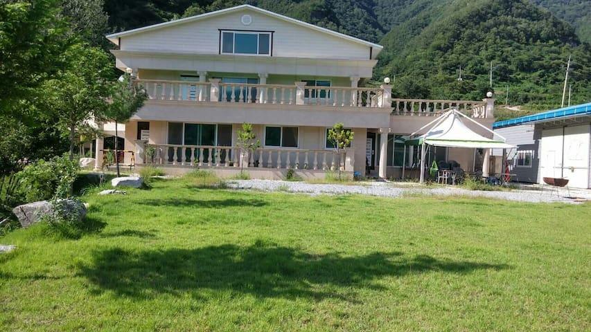 영월군 예밀리 포도마을에 위치한 한적하고 조용한 전원주택 - Yeongwol-eup, Yeongweol