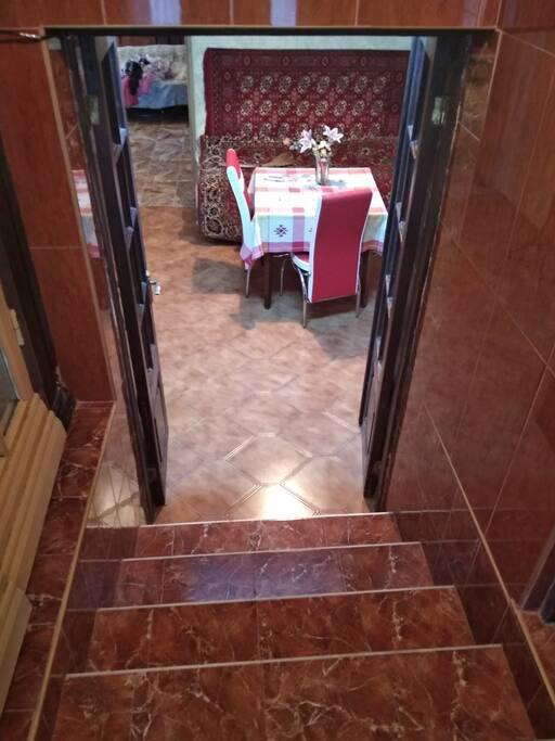 вход 3 ступени вниз