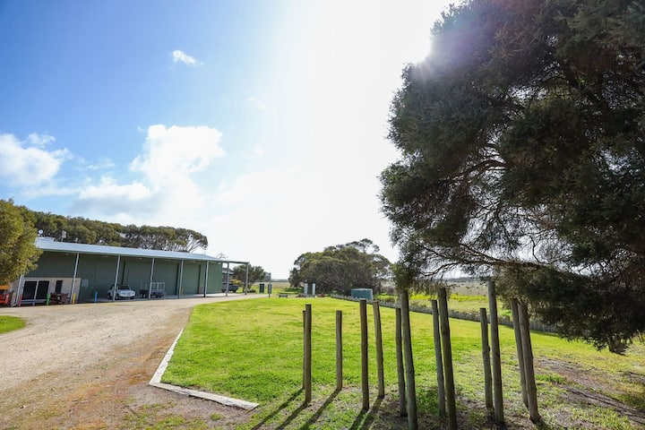 Fantastic farm stay 10kms from Robe (large groups)