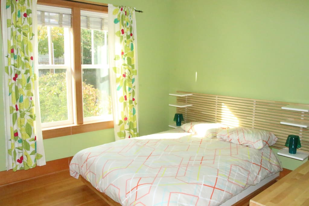 Room 1: Big window with views to the backyard
