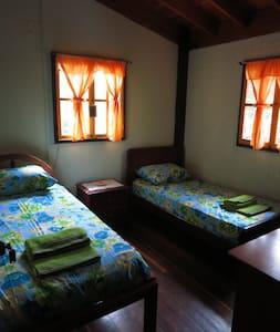 """Finca la Dulce Vida""""Bed and Breakfast"""" Room 3 - Caldas - ที่พักพร้อมอาหารเช้า"""