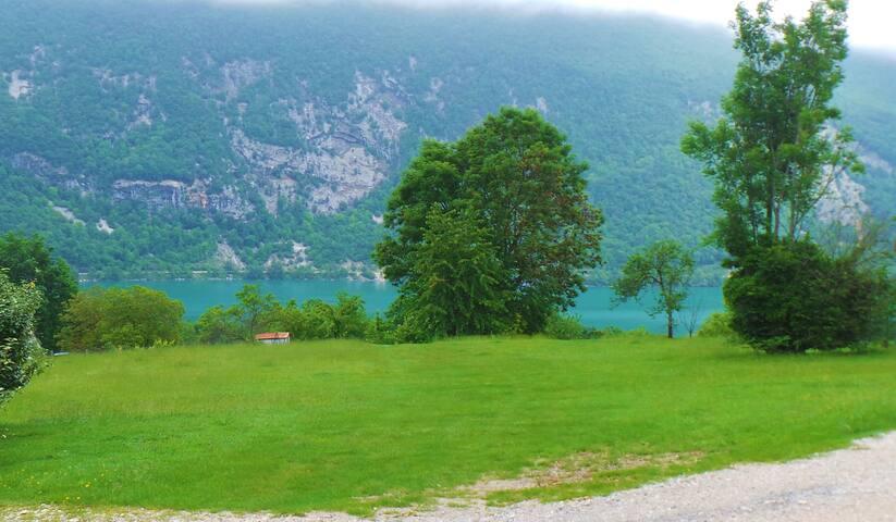 Mobil home au Vert au lac d'Aiguebelette