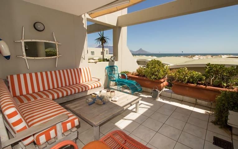 Beach Apartment Table view ,Cape town