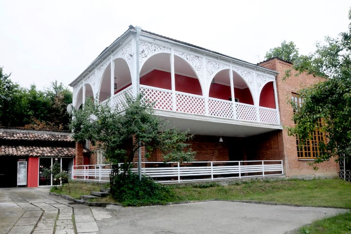 """Guest House ,,ANDRONIKE"""" - Telavi - Bed & Breakfast"""