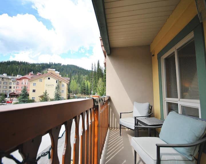 Fireside 312: 1BR, Ski In/Out in the Village