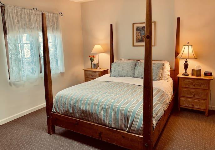 The Cottonwood Room in the Hacienda Nicholas - Alexander's Inn - Hacienda Nicholas - The Madeleine
