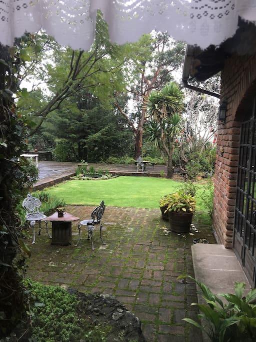 Vista del jardín desde la casa