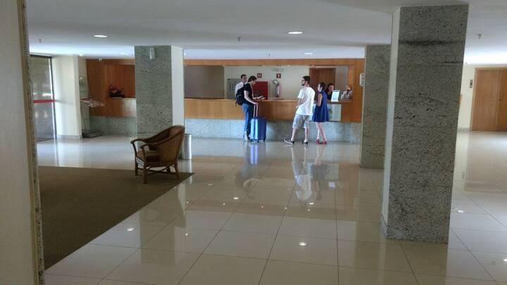 Flat dentro de um hotel 5 estrelas muito barato.