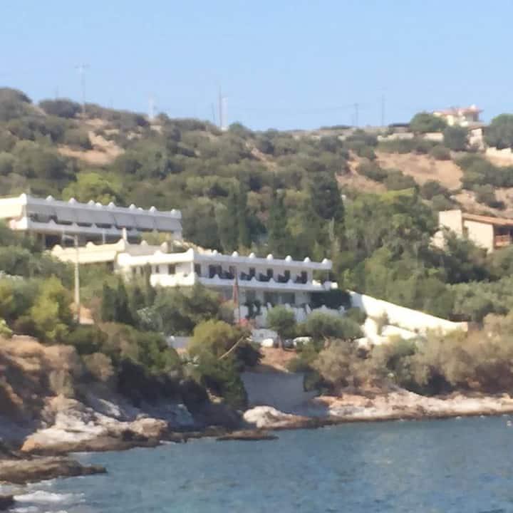 Daskalio Resort Adamis studios next to the sea