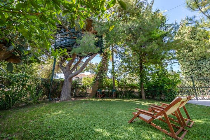 Kaliva Treehouse
