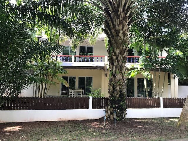 B&B Phuket mini resort, rest and relaxation