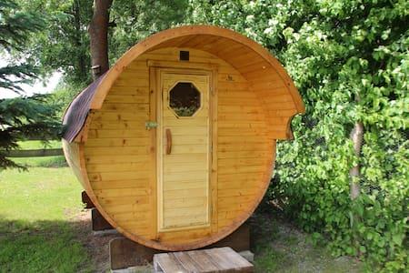 Spreewald erleben mit Übernachtung im Holzfass