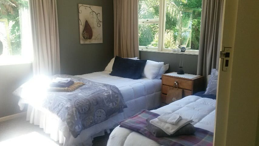 Cottage Guest Room - Greymouth - Ev