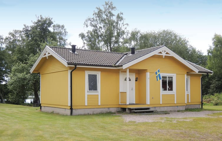 Holiday cottage with 3 bedrooms on 86 m² in Vessigebro