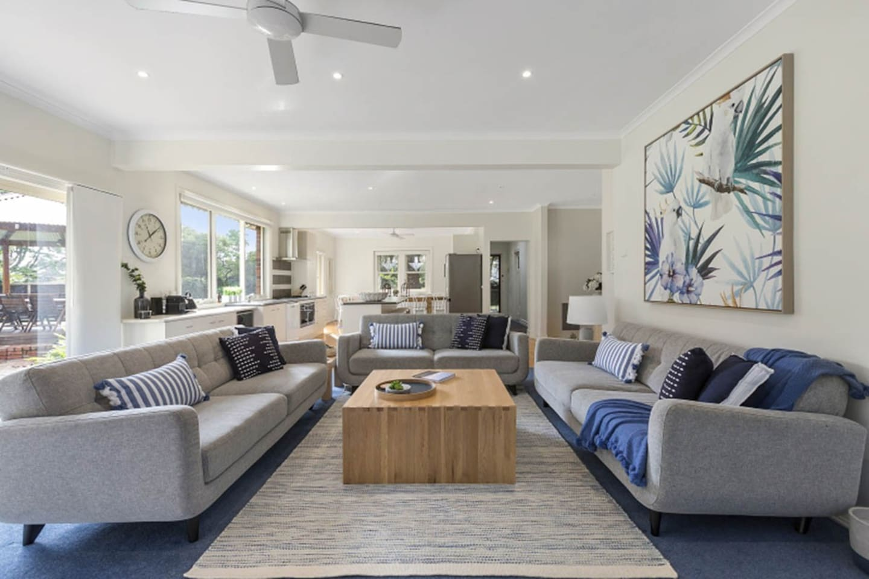Open plan light-filled lounge