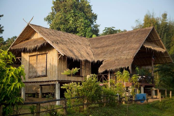 Chiang Mai Traditional Farm House