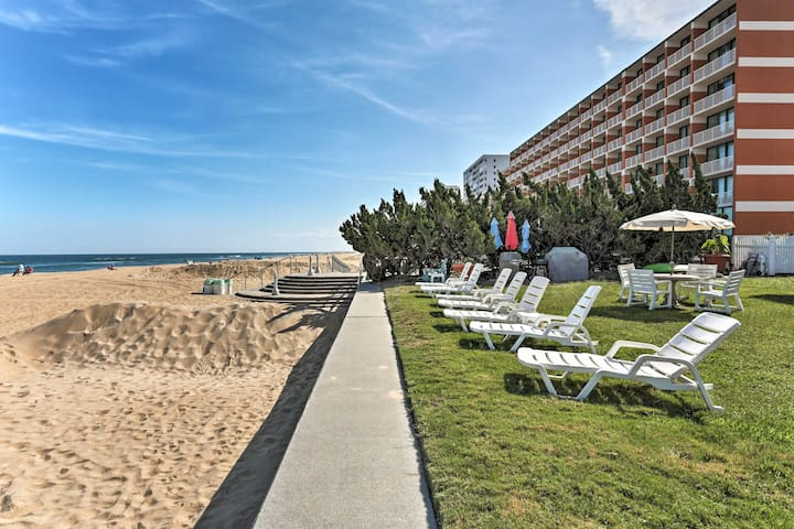 The beach and boardwalk is a short stroll away from this unit.