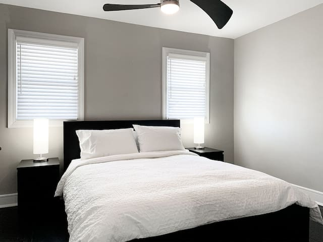 Modern Living - Private Bedroom #3 near Downtown
