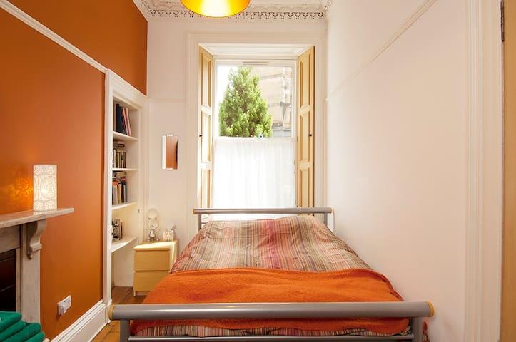 Beautiful Victorian Double-Room