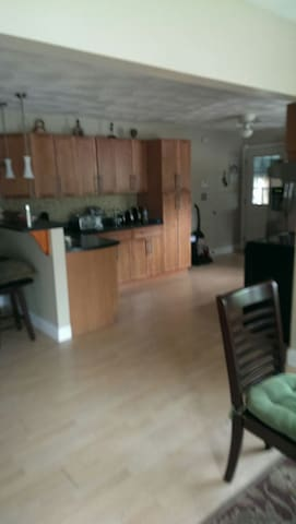 Charming ranch style home. - Fitchburg - Ev
