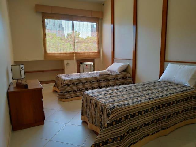 Apartamento em frente à praia da Barra