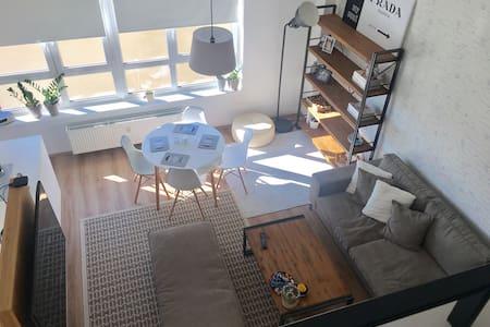 NEW loft in CityCentre - Prag - Wohnung