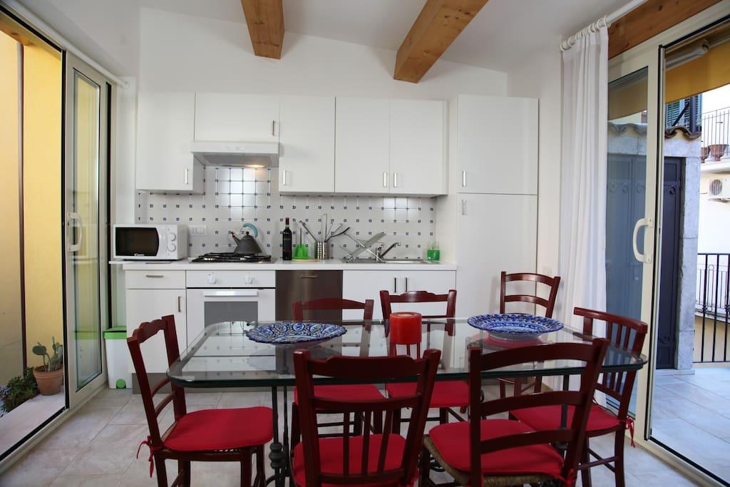 3 piano: cucina attrezzata