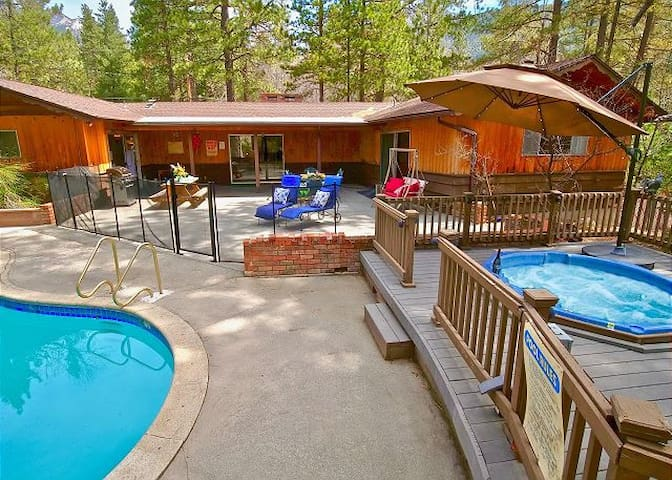 Welcome to Timberwolf with pool and spa!