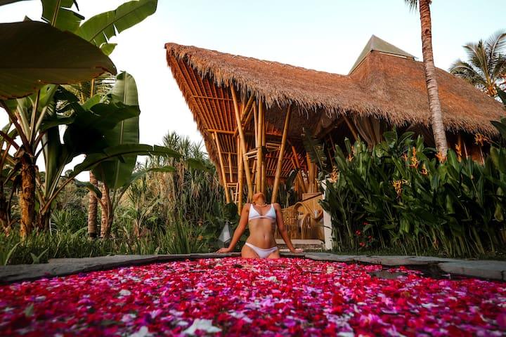 ✰ Camaya Bali Pyramid - Magical Bamboo Houses ✰