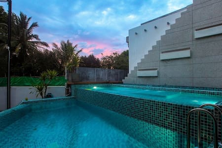 Wallaya villas with swimming pool - Kammala - House