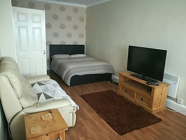 Studio Apartment-Peacehaven