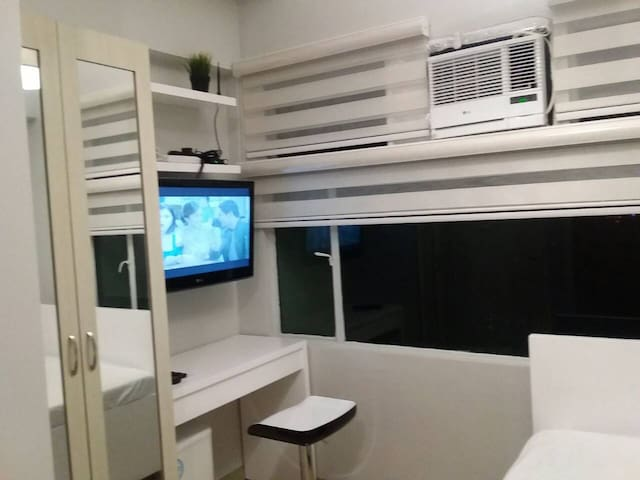 Deluxed Studio Unit in Alabang