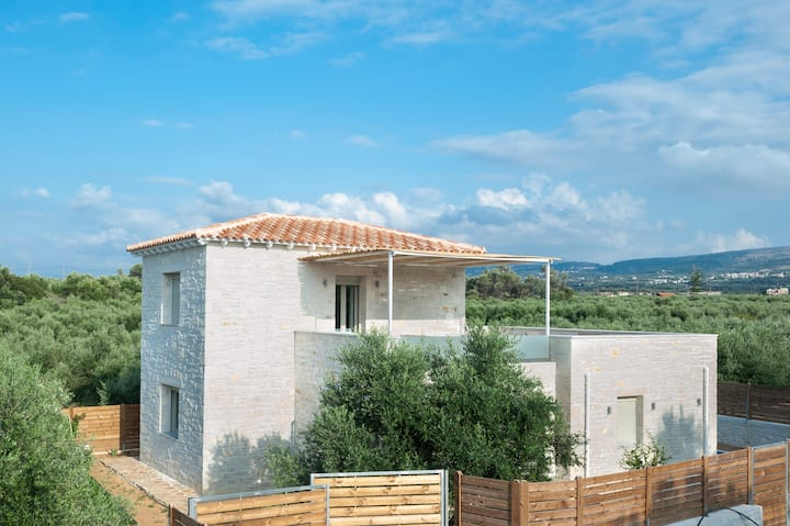 Villa Vera  - New 3bedroom, 38sq.m Pool & Jacuzzi