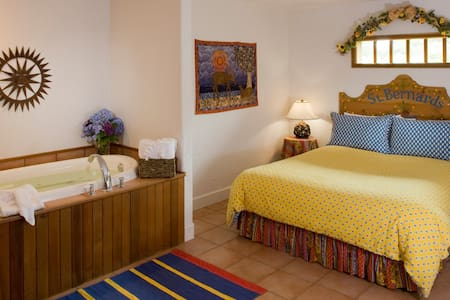Arch Cape Inn and Retreat - Provence w/Breakfast!! - Arch Cape - Boutique hotel