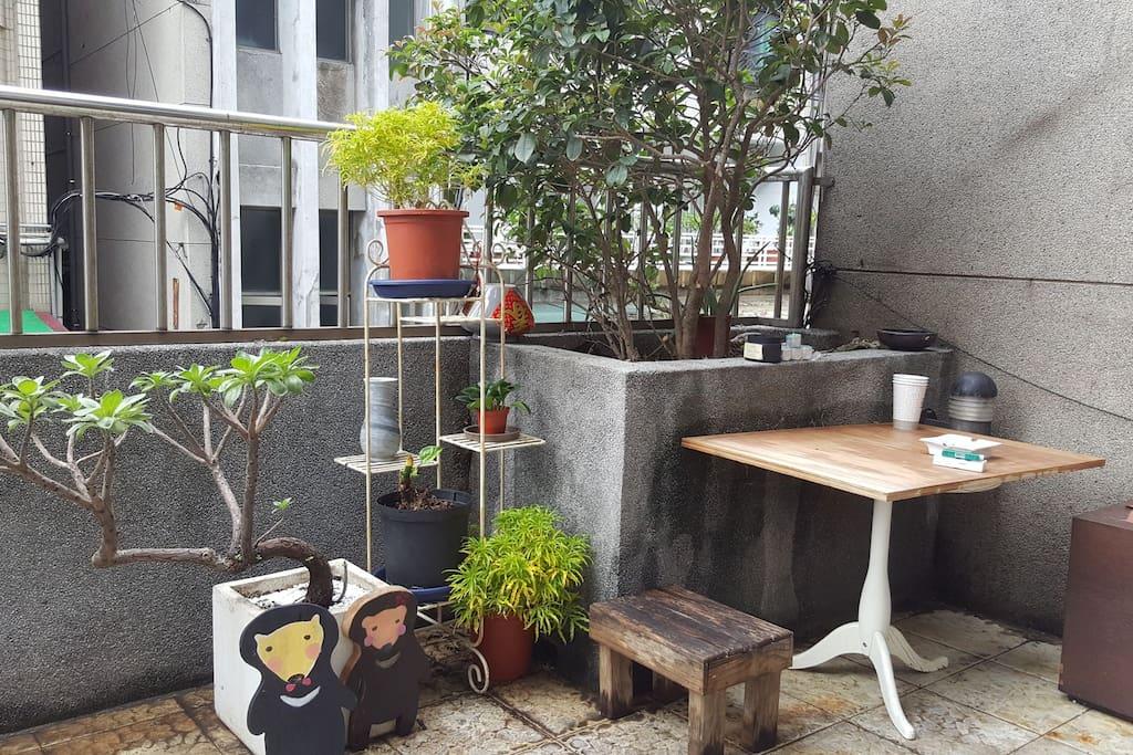 早上可以在陽台喝杯咖啡